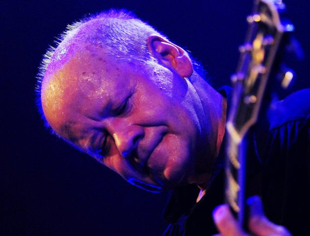 Na snímke český legendárny gitarista Radim Hladík