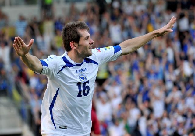 Na snímke bosniansky hráč Senad Lulič