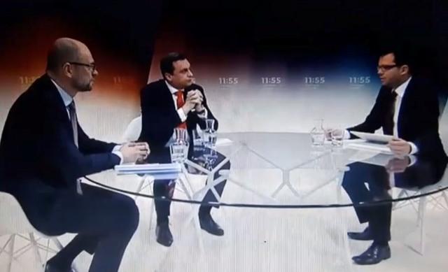 Na snímke zľava Richard Sulík (SaS), Andrej Danko (SNS) a moderátor Martin Strižinec