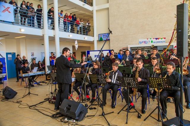 Big Band Žilinského konzervatória na Vianociach na Žilinskej univerzite