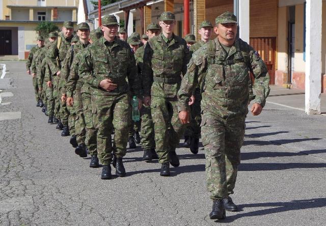 Na snímke vojaci dobrovoľnej vojenskej prípravy