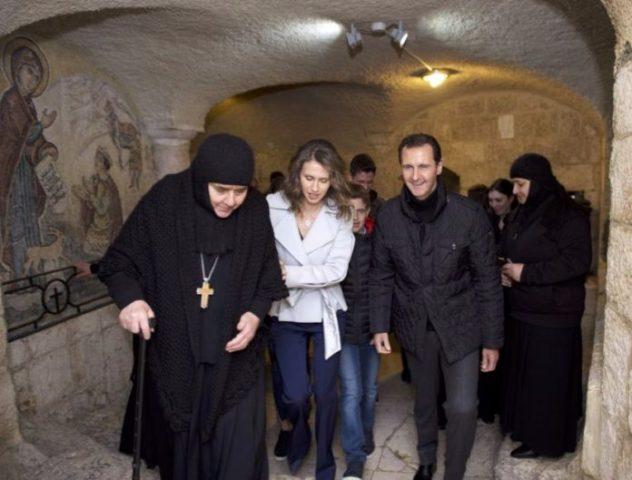 Bašar Asad spolu s manželkou a deťmi sa včera v kresťanskom mestečku Seidnaya zúčastnil na oslavách Vianoc