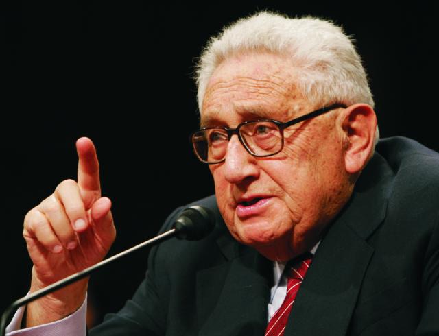 Na archívnej snímke bývalý minister zahraničných vecí USA Henry Kissinger
