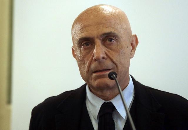Taliansky minister vnútra Marco Minniti