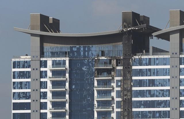 Požiar zachvátil luxusný rezidenčný komplex v Dubaji