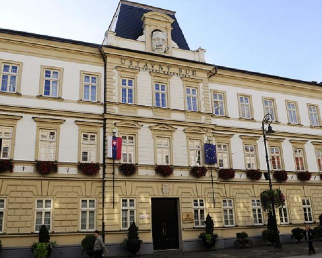 budova Ústavného súdu SR z Hlavnej ulice