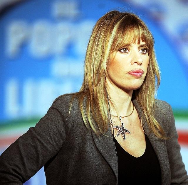 Vnučka Benita Mussoliniho – Alessandra