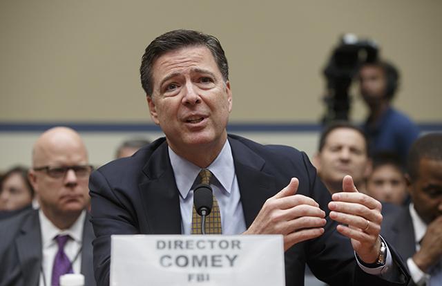Na snímke riaditeľ amerického Federálneho úradu pre vyšetrovanie (FBI) James Comey