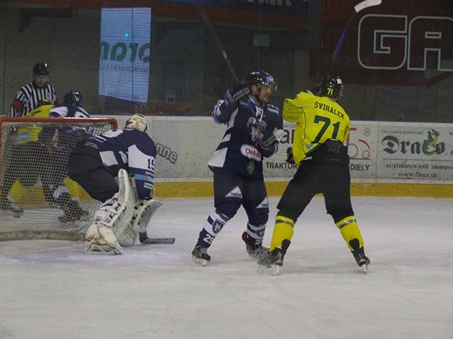 Dramatický hokej videli diváci vseveroslovenskom derby stretnutí vdohrávke 14.kola Tipsport ligy MHC Martin – MsHK Žilina 2:1