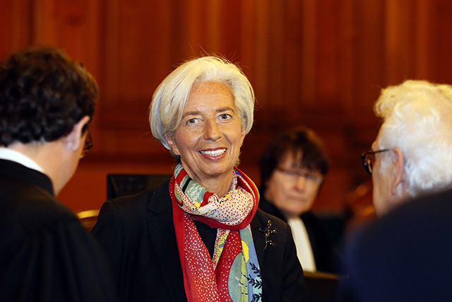 Na snímke z 12. decembra 2016 v Paríži generálna riaditeľka Medzinárodného menového fondu (MMF) Christine Lagardeová