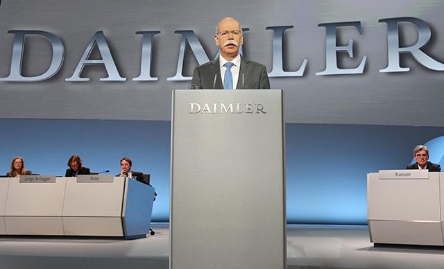 Na snímke šéf nemeckej automobilky Daimler Dieter Zetsche