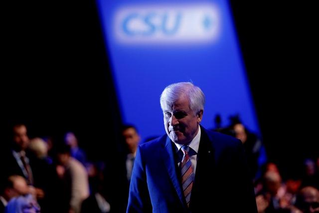 Na snímke predseda nemeckej Kresťanskosociálnej únie (CSU) Horst Seehofer