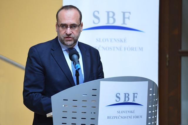 Na snímke štátny tajomník ministerstva zahraničných vecí a európskych záležitostí SR Peter Javorčík