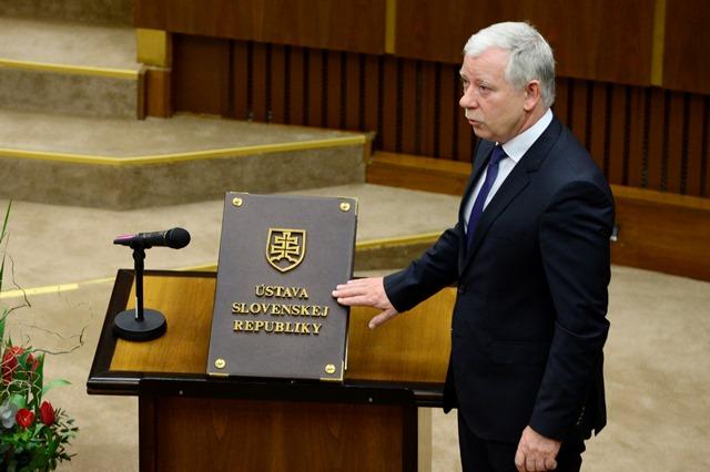 Na snímke Jozef Valocký (SMER-SD)