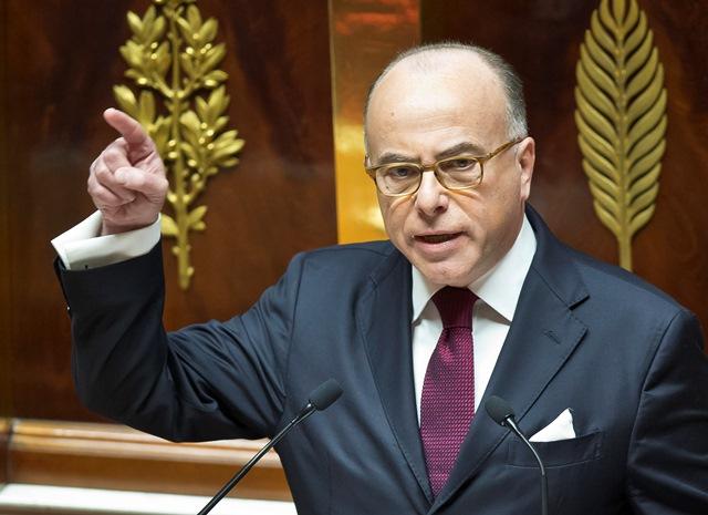 Na snímke francúzsky premiér Bernard Cazeneuve