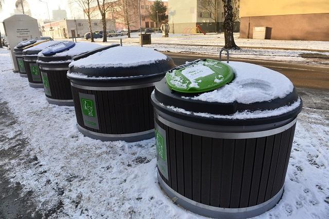 Polopodzemné kontajnery nahradili na dvoch sídliskách v Trenčíne klasické nádoby na odpad