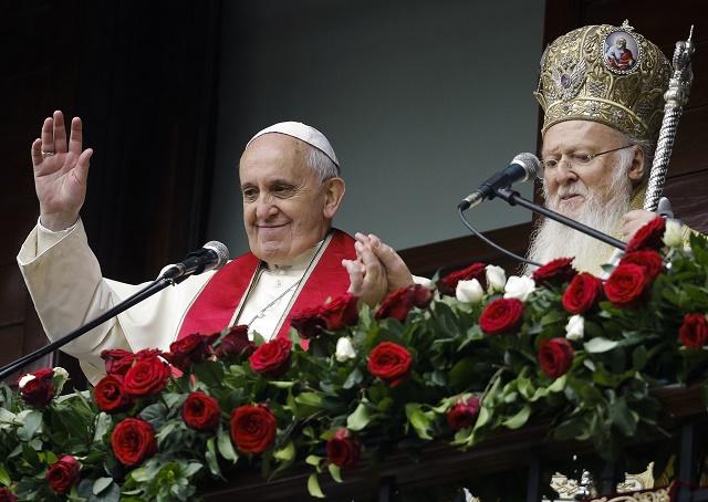 Pápež František a ekumenický konštantinopolský patriarcha Bartolomej