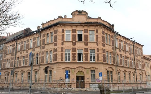 Na snímke budova Prírodovedeckej fakulty UPJŠ v Košiciach po požiari
