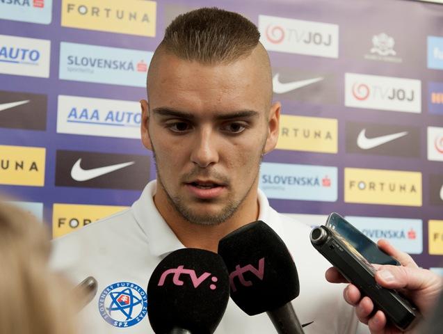 Na snímke slovenský futbalový reprezentant, brankár Adam Jakubech