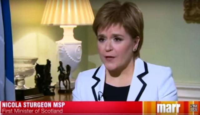 Škótska premiérka Nicola Sturgeonová pritvrdila
