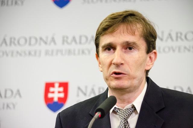 Na snímke poslanec NR SR Oto Žarnay