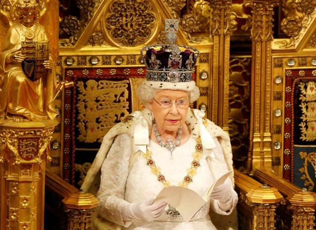 Na snímke britská kráľovná Alžbeta II.