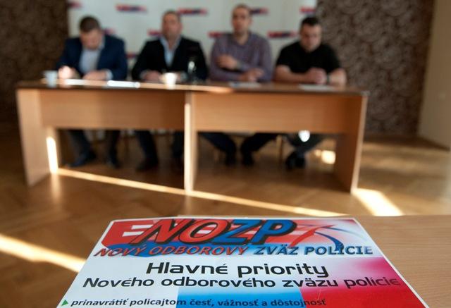 NOZP - Nový odborový zväz polície zvolal tlačovú konferenciu, na ktorej sa vyjadril ku konaniu a krokom zo strany Ministerstva vnútra SR dňa 17. januára 2017 v Bratislave