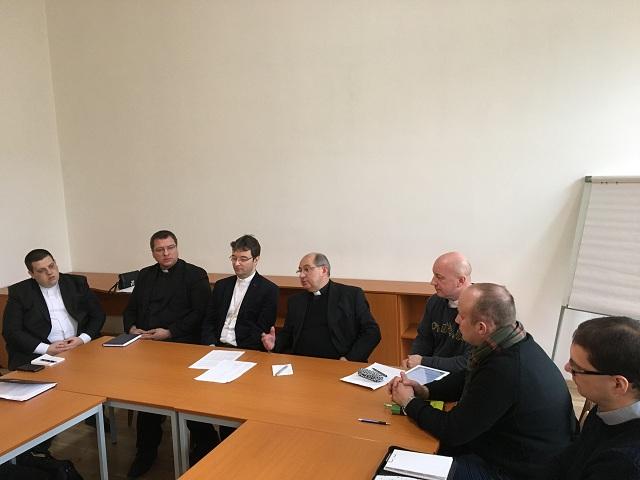 Vo štvrtok 12. januára 2017 sa v priestoroch Univerzitného pastoračného centra sv. Košických mučeníkov v Košiciach stretli spolu so svojim arcibiskupom Mons. Bernardom Boberom kňazi pôsobiaci v pastorácii mládeže a školskí kapláni
