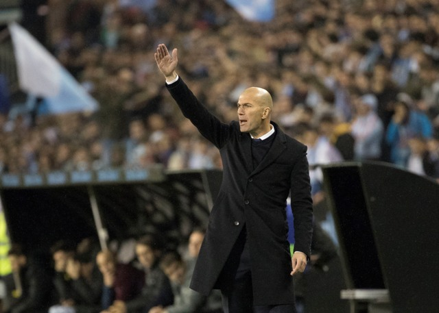 Na snímke tréner futbalistov Realu Madrid Zinedine Zidane