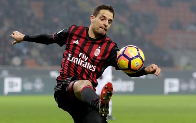 Na snímke hráč AC Miláno Giacomo Bonaventura