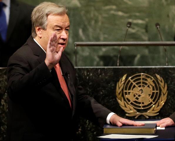 Na snímke nový generálny tajomník OSN António Guterres