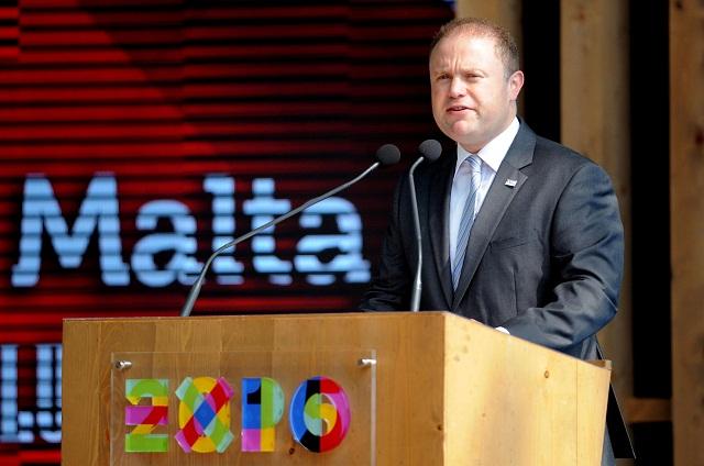 Na archívnej snímke maltský premiér Joseph Muscat