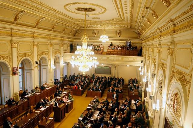 Na snímke poslanci českého parlamentu
