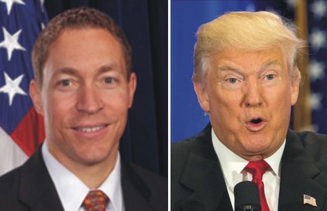 """Donald Trump (vpravo) odvolal ďalšieho """"Obamovho človeka"""", šéfa colného a imigračného úradu Daniela Rogerdsa"""