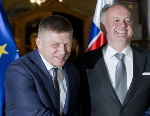 Na snímke zľava predseda vlády SR Robert Fico, prezident SR Andrej Kiska