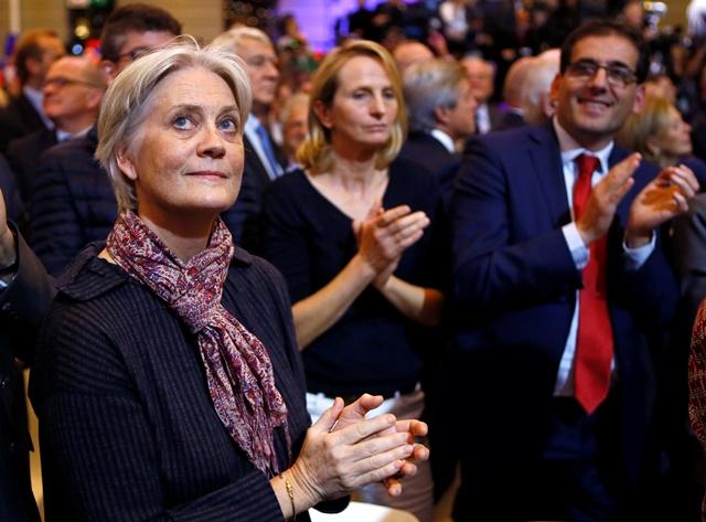 Na snímke Penelope Fillonová, manželka prezidentského kandidáta Francoisa Fillona