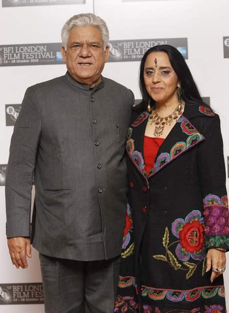 Indickí herci Om Puri (vľavo) a Ila Arun