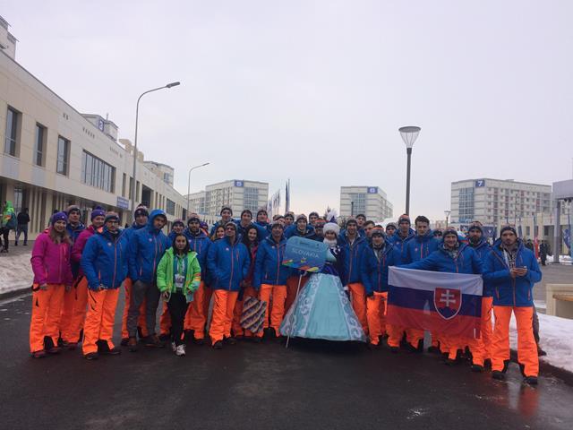 Slovenská početná výprava na otváracom slávnostnom ceremoniáli na XXVIII.SZU v Kazachstane.