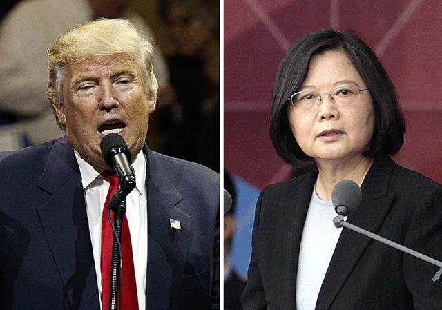 Na kombosnímke vľavo novozvolený americký prezident Donald Trump reční 1. decembra 2016 v Cincinnatti a vpravo tajwanská prezidentka Cchaj Jing-wen 10. októbra 2016 v Tchaj-peji.