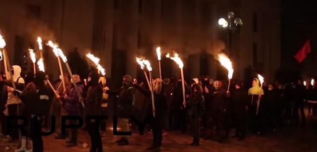 Ilustračná snímka: Ukrajinskí neonacisti počas jedného zo svojich pochodov