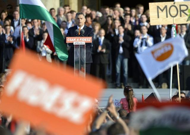 Na archívnej snímke predseda maďarskej vlády a predseda Fideszu Viktor Orbán