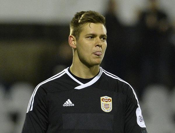 Slovenský futbalový brankár Viktor Budinský