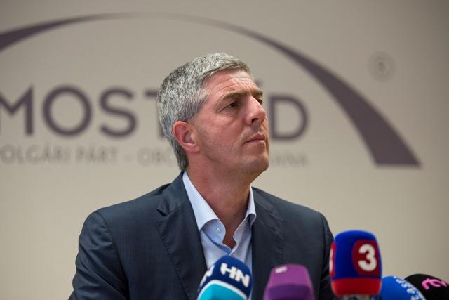 Na snímke podpredseda Národnej rady SR a predseda strany Most-Híd Béla Bugár