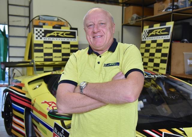 Na snímke slovenský automobilový pretekár Miroslav Konôpka