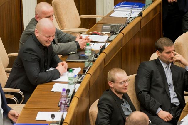 Na snímke poslanci strany Kotleba - Ľudová strana Naše Slovensko (ĽSNS)