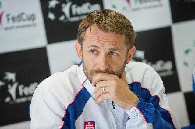 Na snímke kapitán slovenského fedcupového tímu Matej Lipták