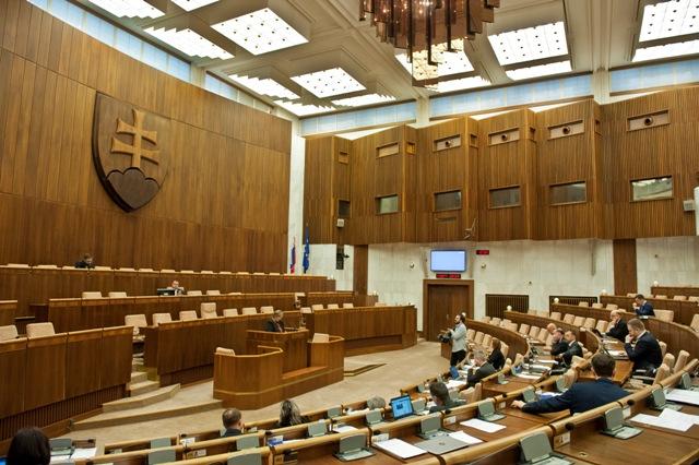 Na ilustračnej snímke pohľad do rokovacej sály