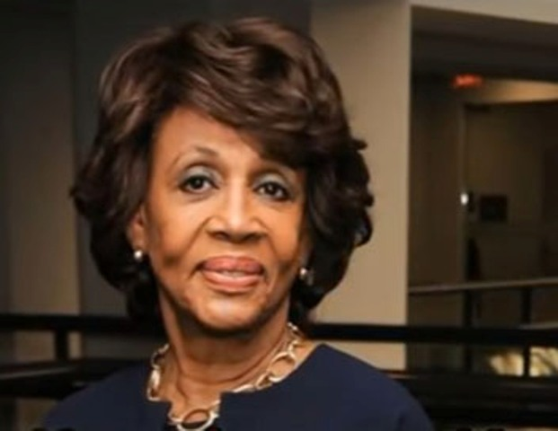 Na snímke Maxine Waters
