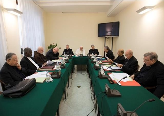 Rada kardinálov C9 sa začala tentoraz zaoberať reformou súdnych dikastérií