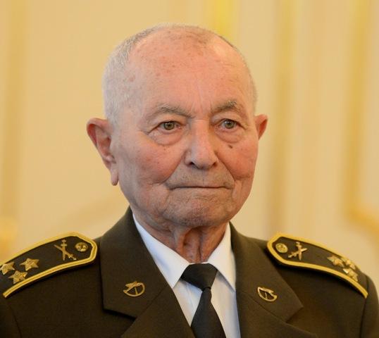 Najvyššie ocenenie v rámci mesta dnes jednohlasne schválili poslanci na zasadnutí zastupiteľstva brigádnemu generálovi vo výslužbe Jánovi Iľanovskému